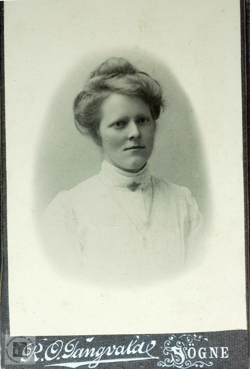 Portrett av Ongrid Seland. Grindheim Audnedal.