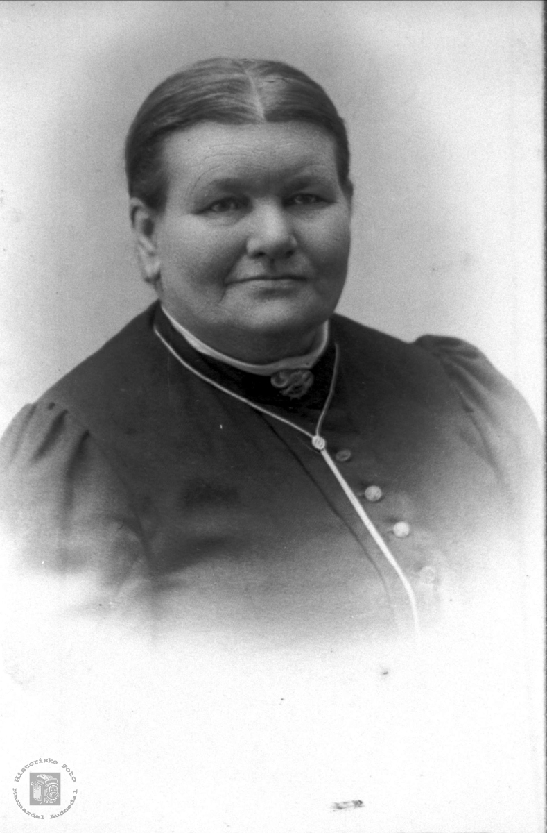 Portrett av Tarjerd Haugland født Foss, Bjelland.