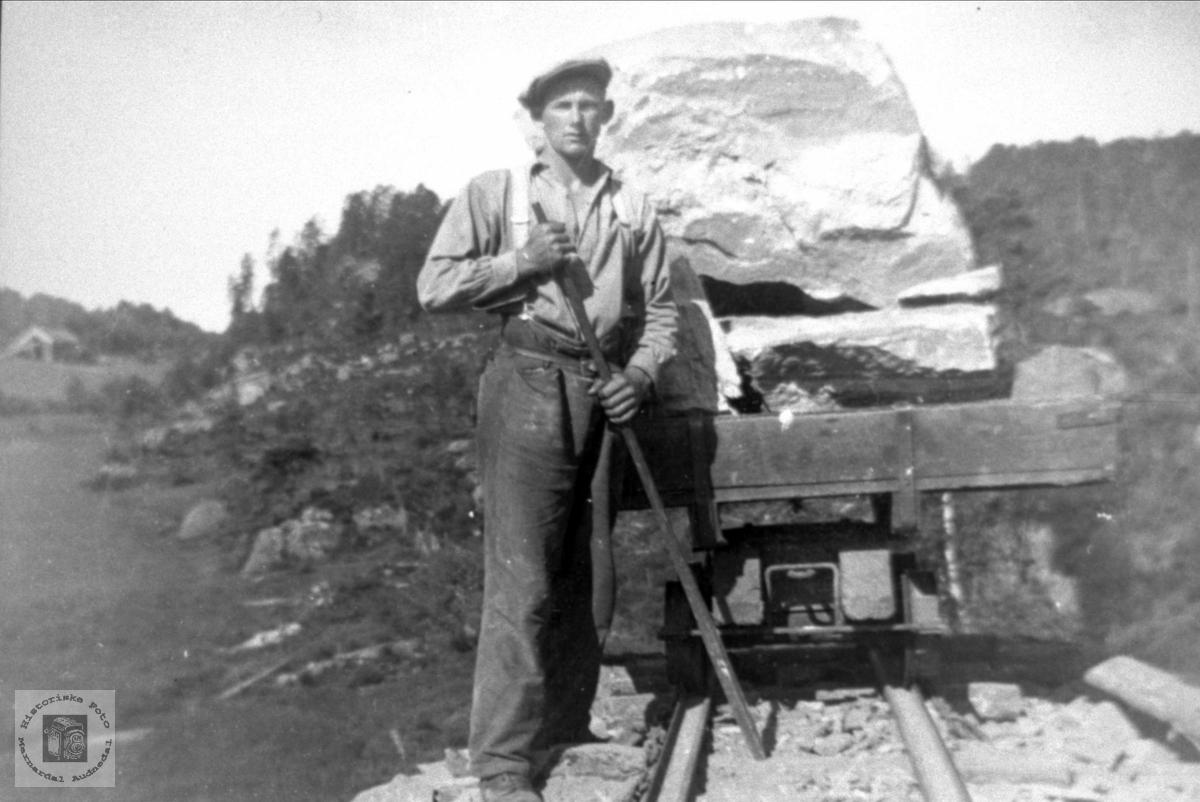 Annlegsarbeider Groheia, Songdalen.