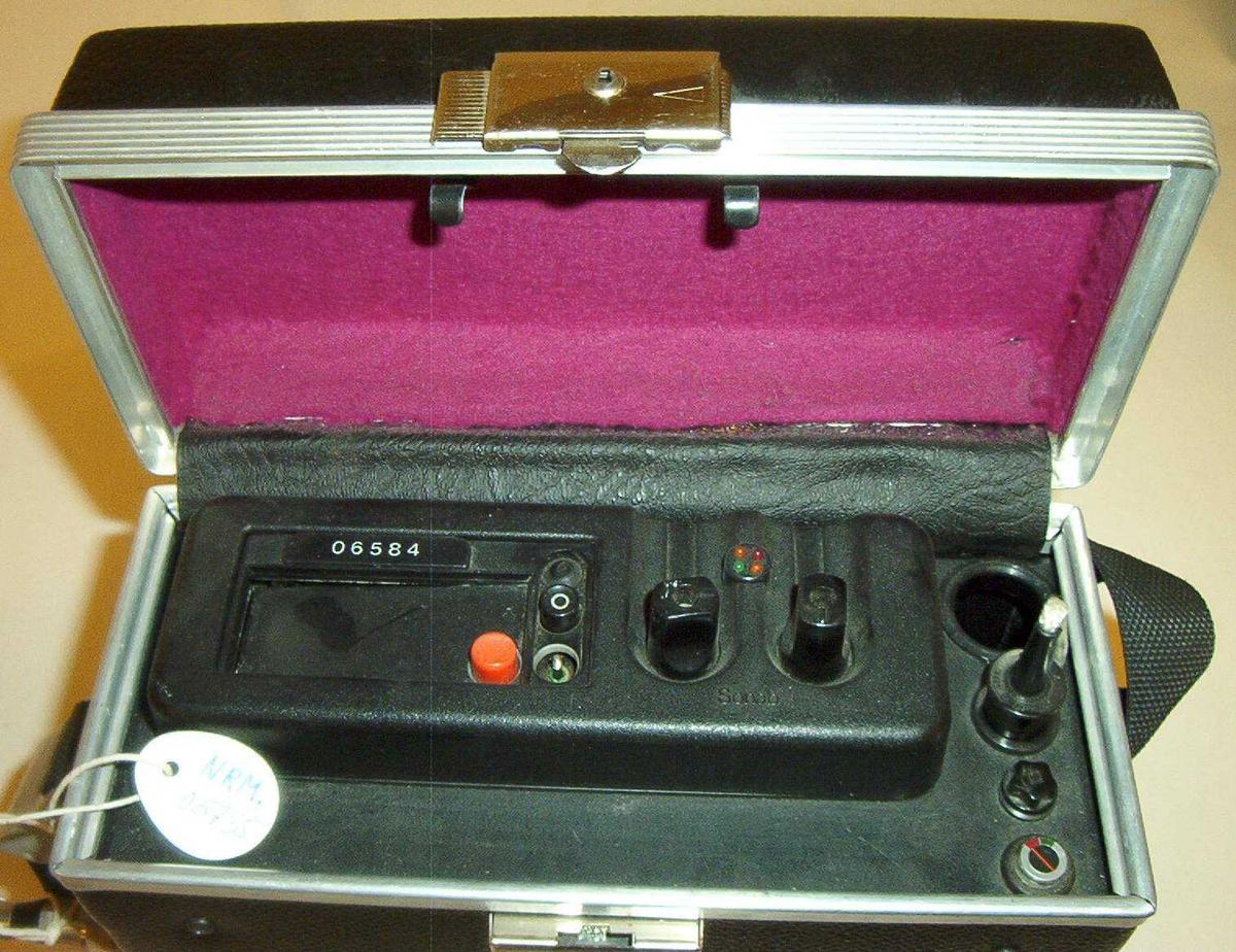 Mobil/kjøremontert radio i transportkoffert  (sender/mottaker)