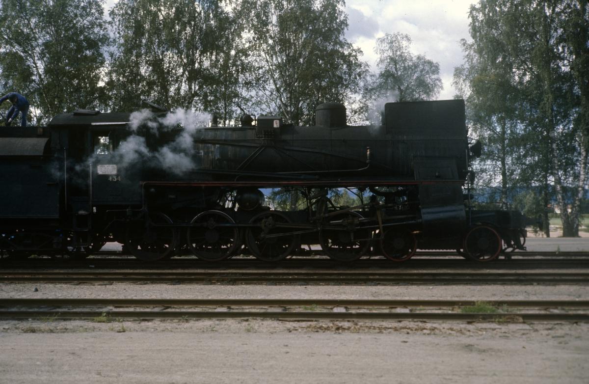 Damplok type 26c nr. 434 på Flisa stasjon.