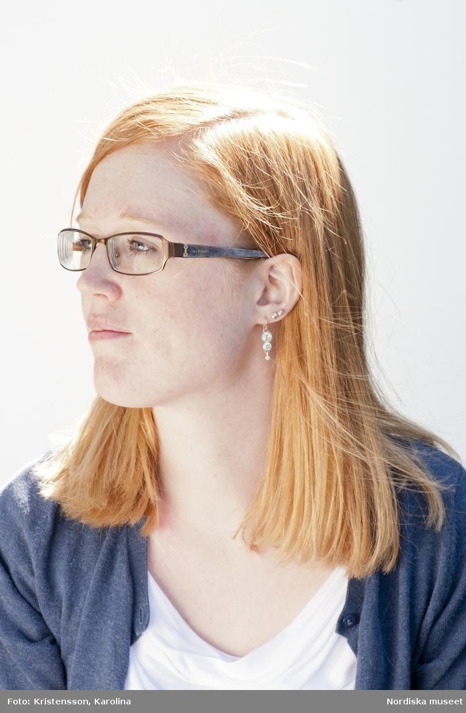 Hår- bildspel, samtida frisyrer. Kvinna med långt hår, sidbena.