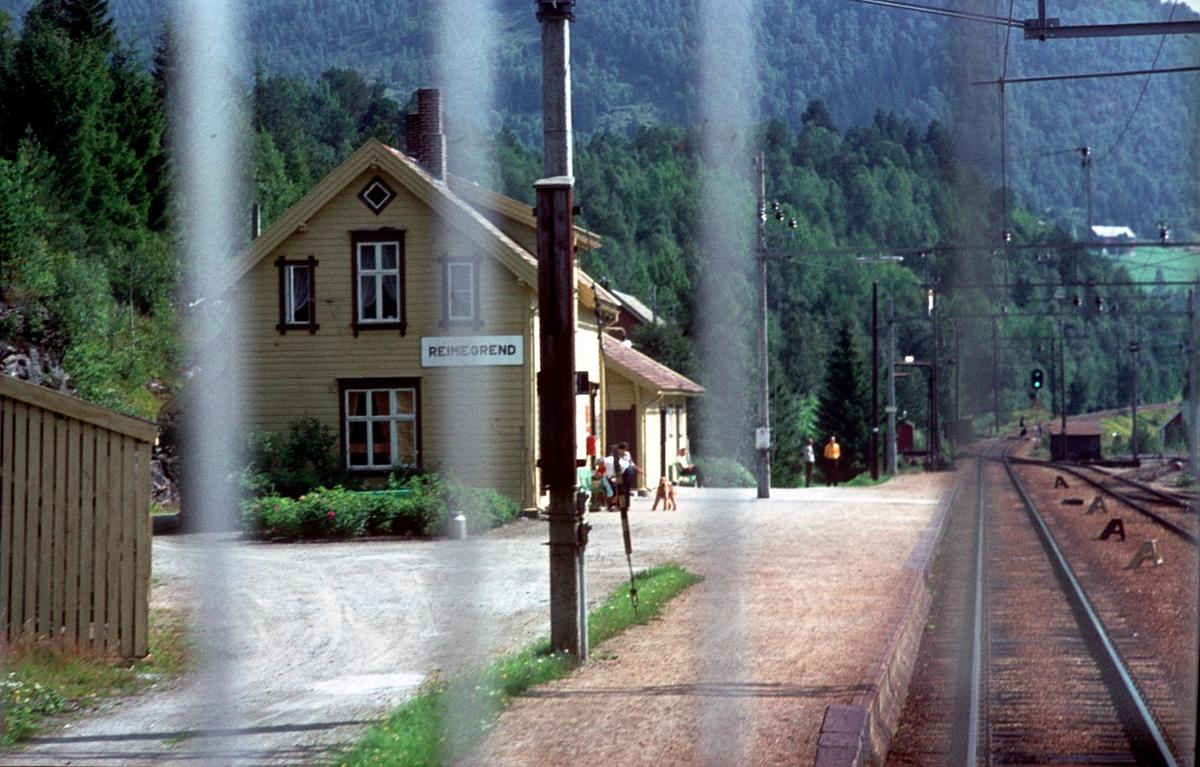 Bergensbanen. Reimegrend stasjon.