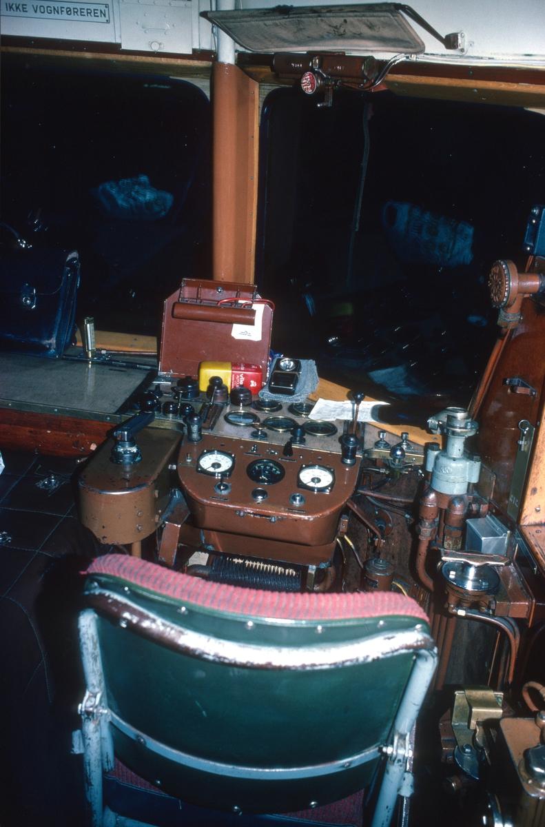 Førerplass NSB motorvogn BM 87.01