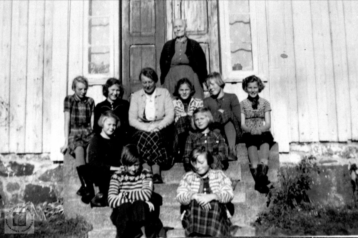 Skolegruppe på Breland