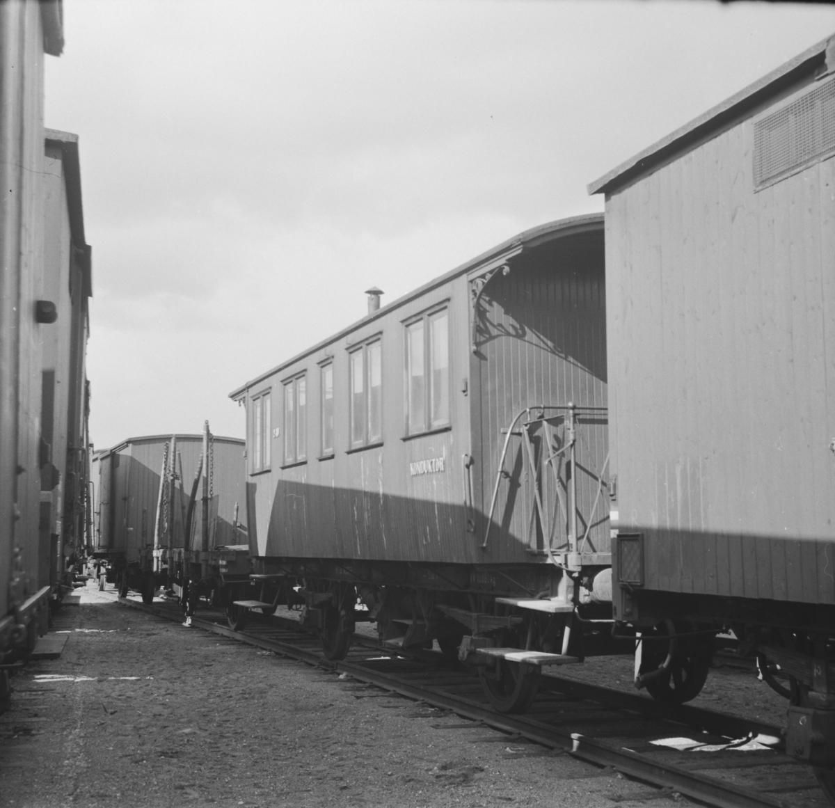 NSBs personvogn BF nr. 240, hensatt på Grorud verksted.