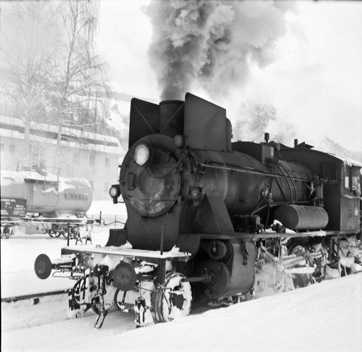 Damplok 24b 147 på Fagernes stasjon.