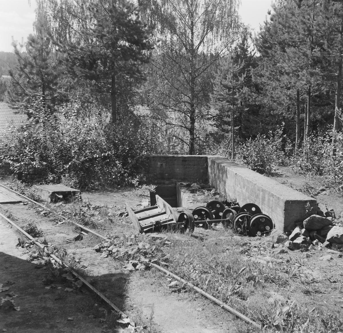Rester av gammel lokomotivstall ved Sølvgruvene på Kongsberg