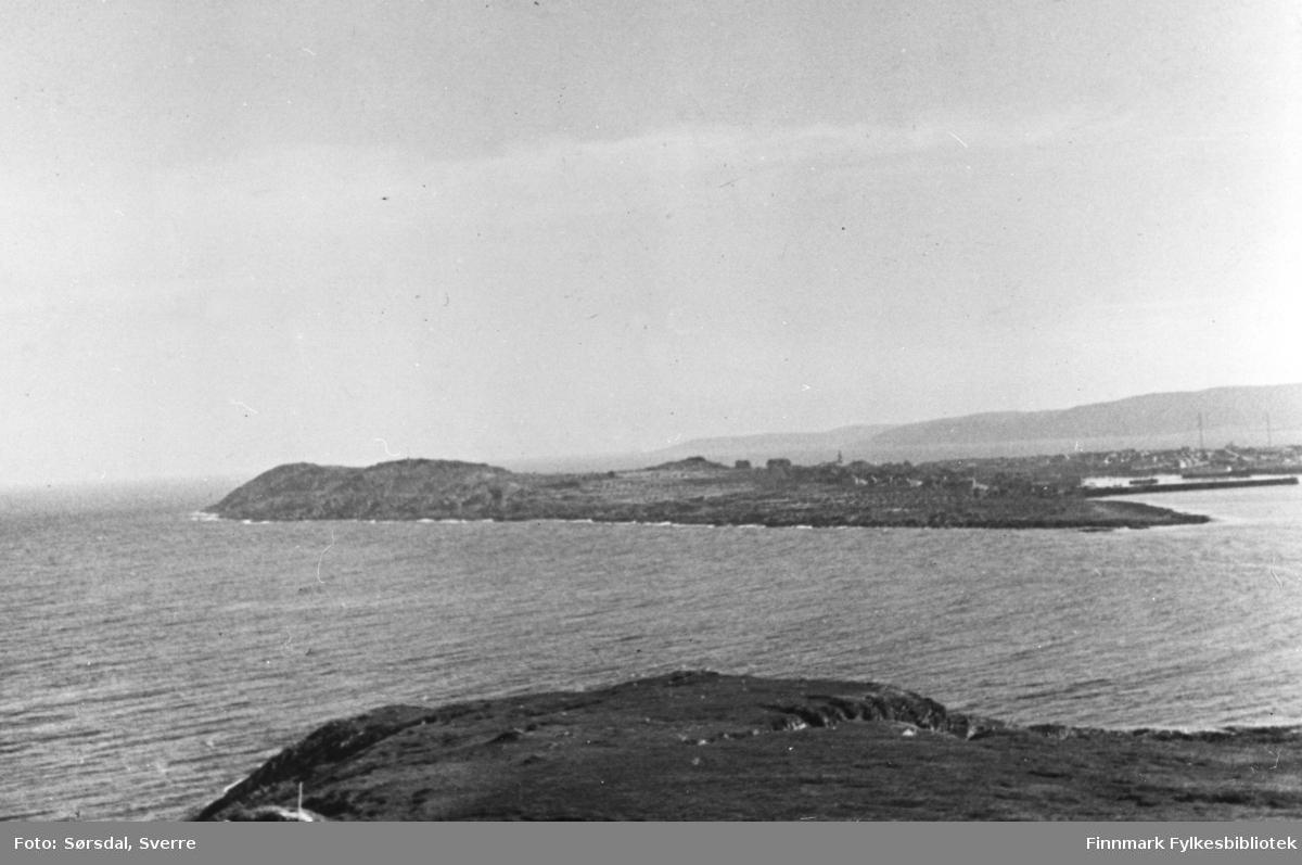 Bildet av Vardø. Bildet er tatt fra Reinøya.