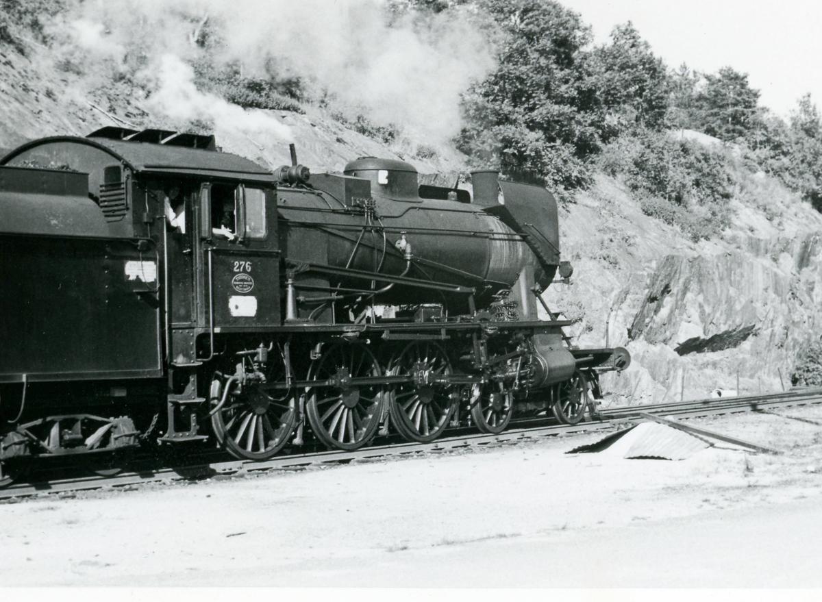 Persontog fra Kragerø til Neslandsvatn trukket av damplok 30a  nr. 276