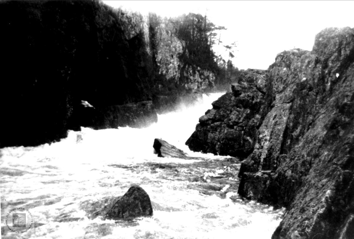 Vannfallet i Kavfossen, Stivlia i Mandalselva