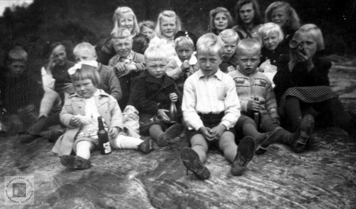 Bruskeland og Åkset søndagskole.