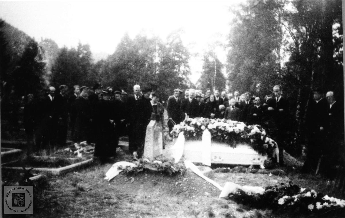 Gustav Johnson Hjemlestad`s begravelse