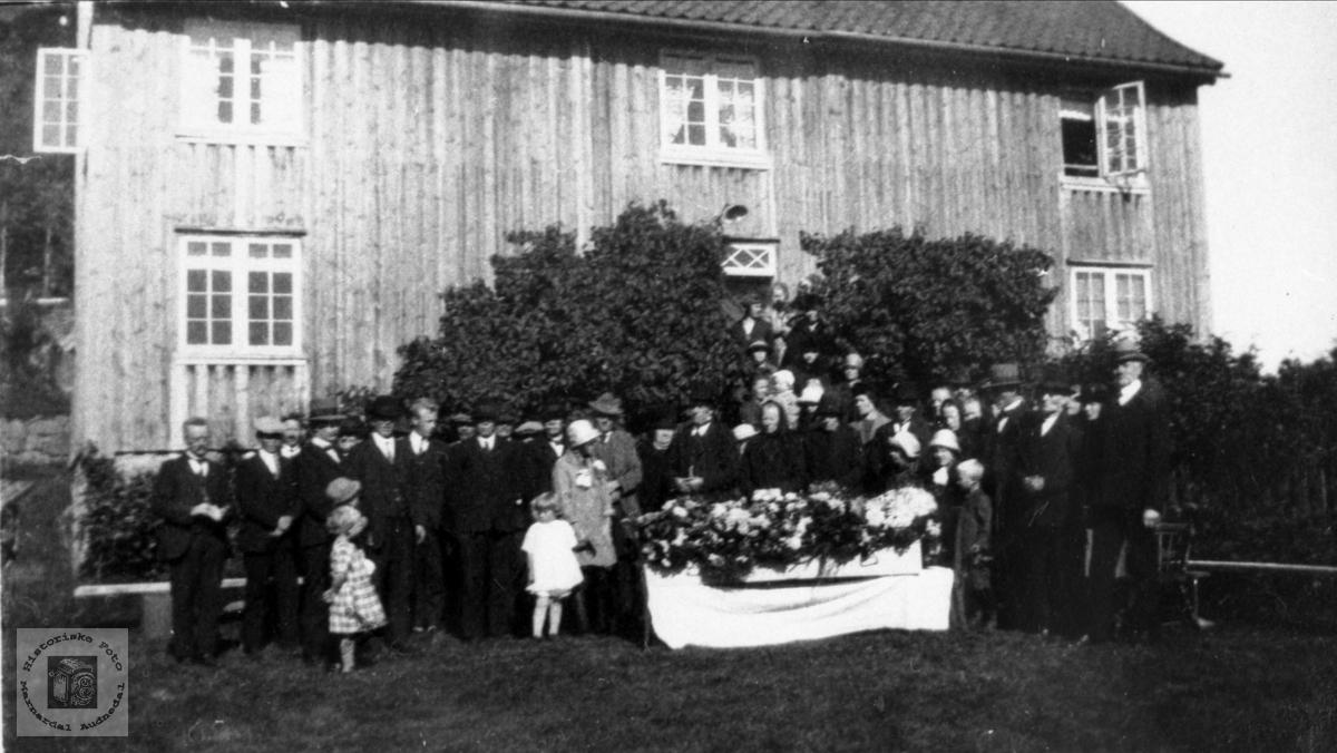 """Begravelse til Torjus G. Bjerland, """"Under Heia"""""""