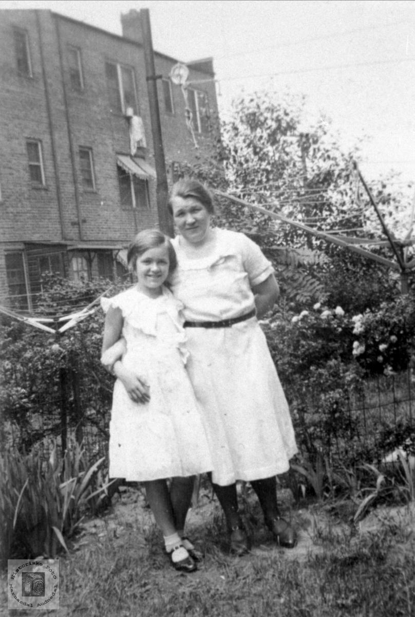 Mor og datter i USA.