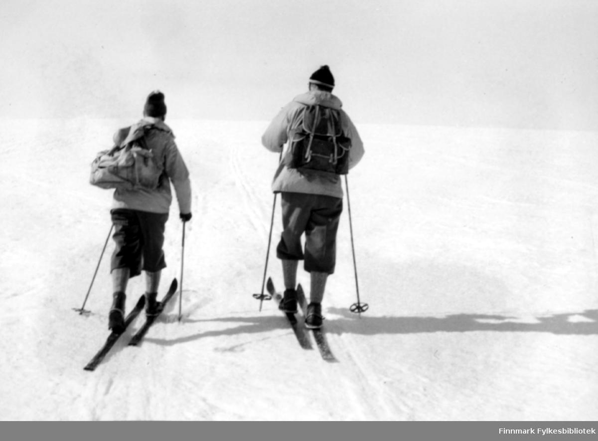 På ski på Varangerhalvøya på slutten av 1950 tallet