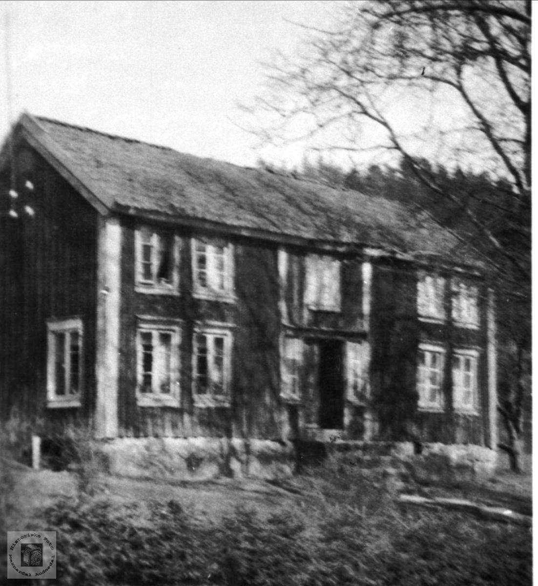 Hus. Hustufta, Fjellestad.