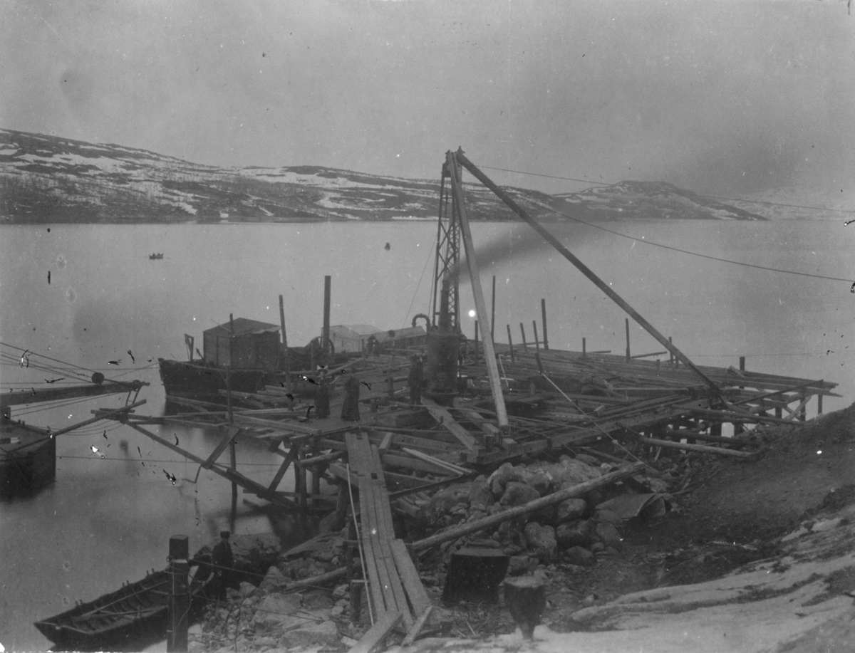 Bygging i kaiområdet. 6/6 1909.