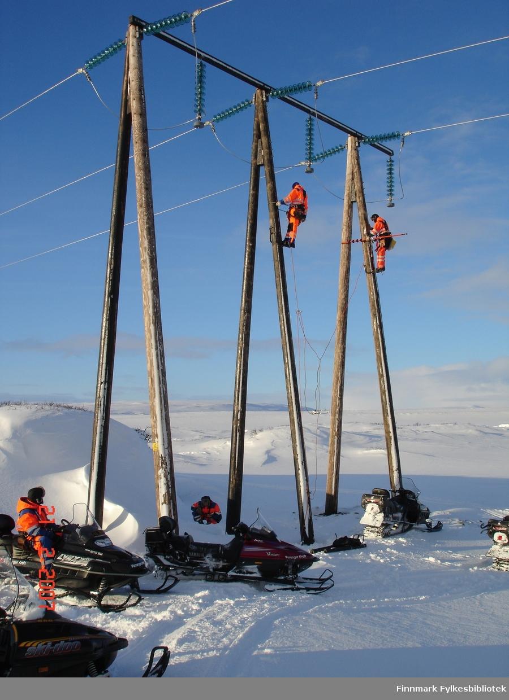 Toppbefaring, jording 66 kV linjen mellom Vadsø-Vardø ved Komagvær.
