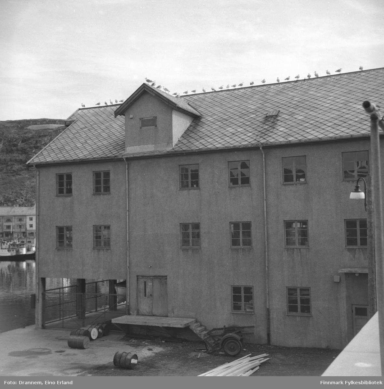 En bygning ved havna i Hammerfest
