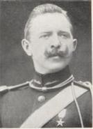 Norsk sjøoffiser som tjenestegjorde i Fristaten Kongo og Belgisk Kongo i 19 år fra 1905 til 1924, formann for Norske Kongoveteraners Forening.
