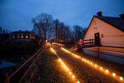 Ljusmanifestation mot rivningen av Järle kvarndamm 10 decemb