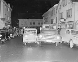 Sammenstøt mellom en lastebil og en bil i Johan Feyers gate,