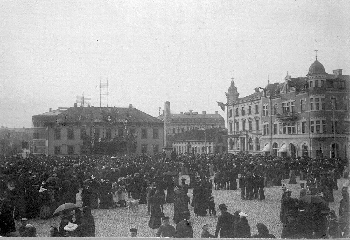 Gamla Rådhuset med Obelisken vid Kungajubileét år 1897.