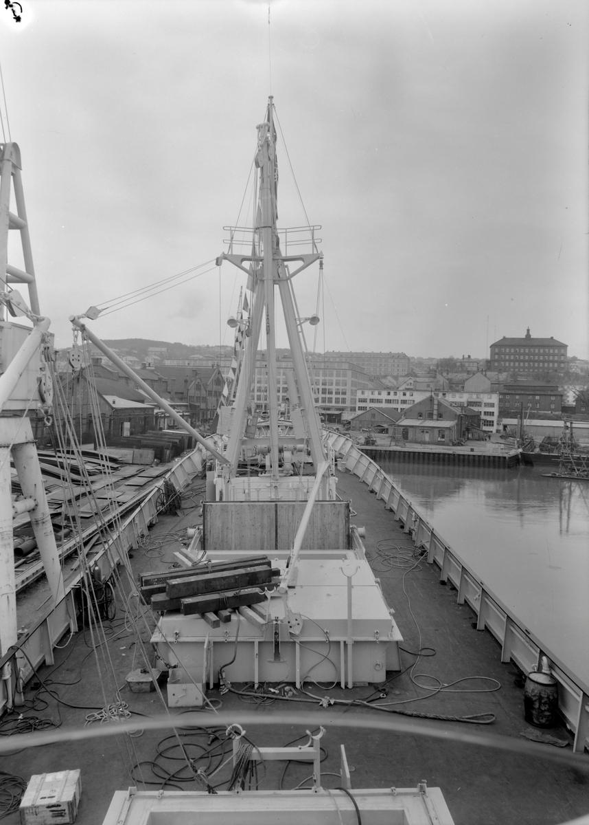 Ombord i fryseskipet Tore Jarl