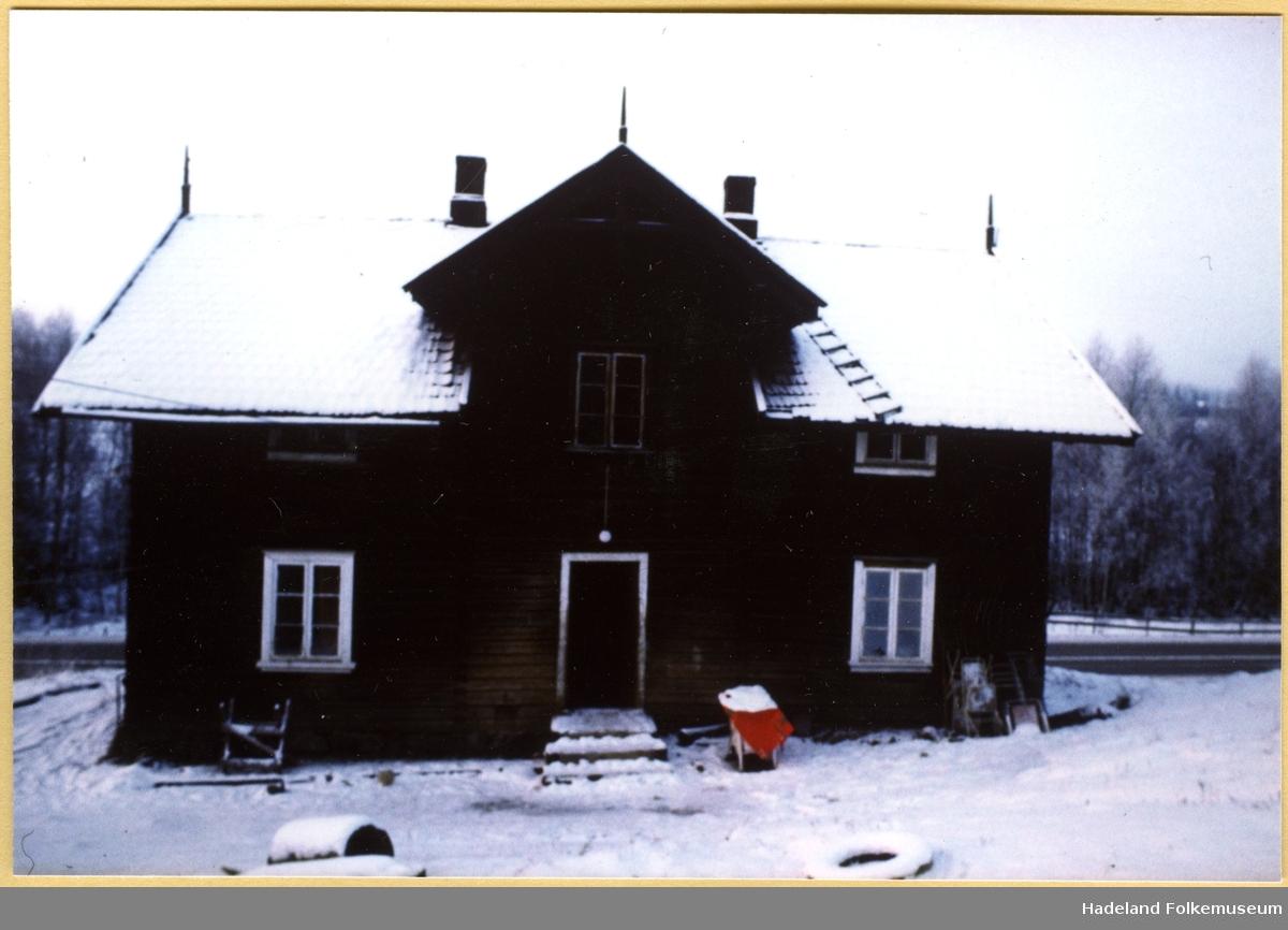 "Husmannstua ""Tømmerbakken"" under Dvergsten."