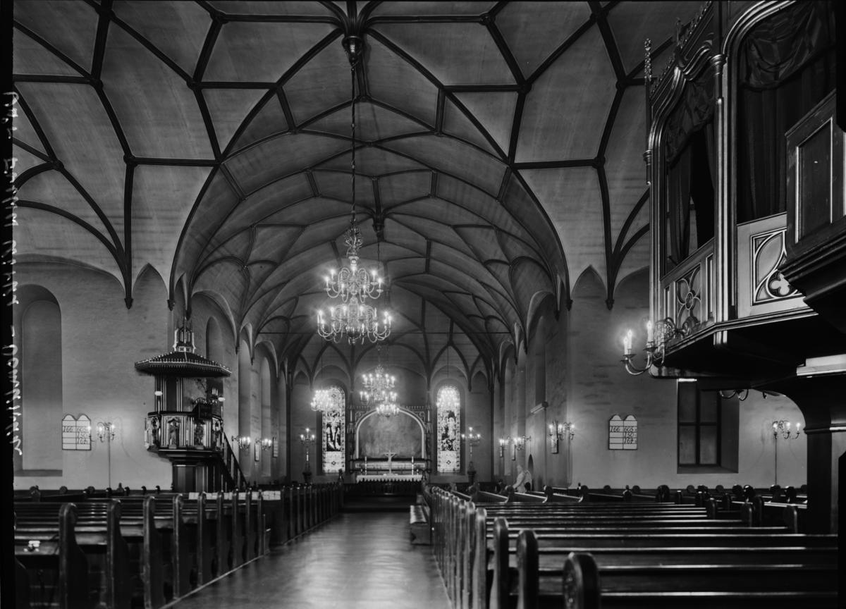 Kirkeinteriør fra Domkirken i Oslo.