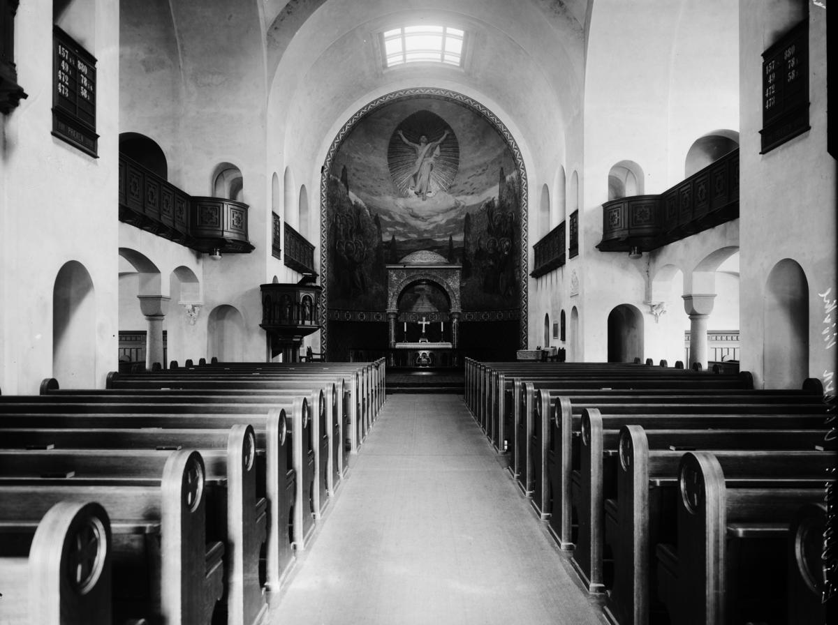 Kirkeinteriør i Ullern kirke.