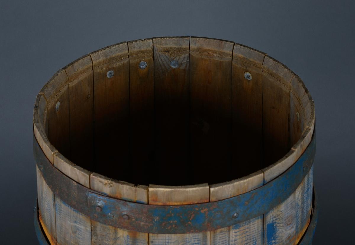 Form: Tradisjonell Beholder brukt til salting  av fisk og kjøtt.
