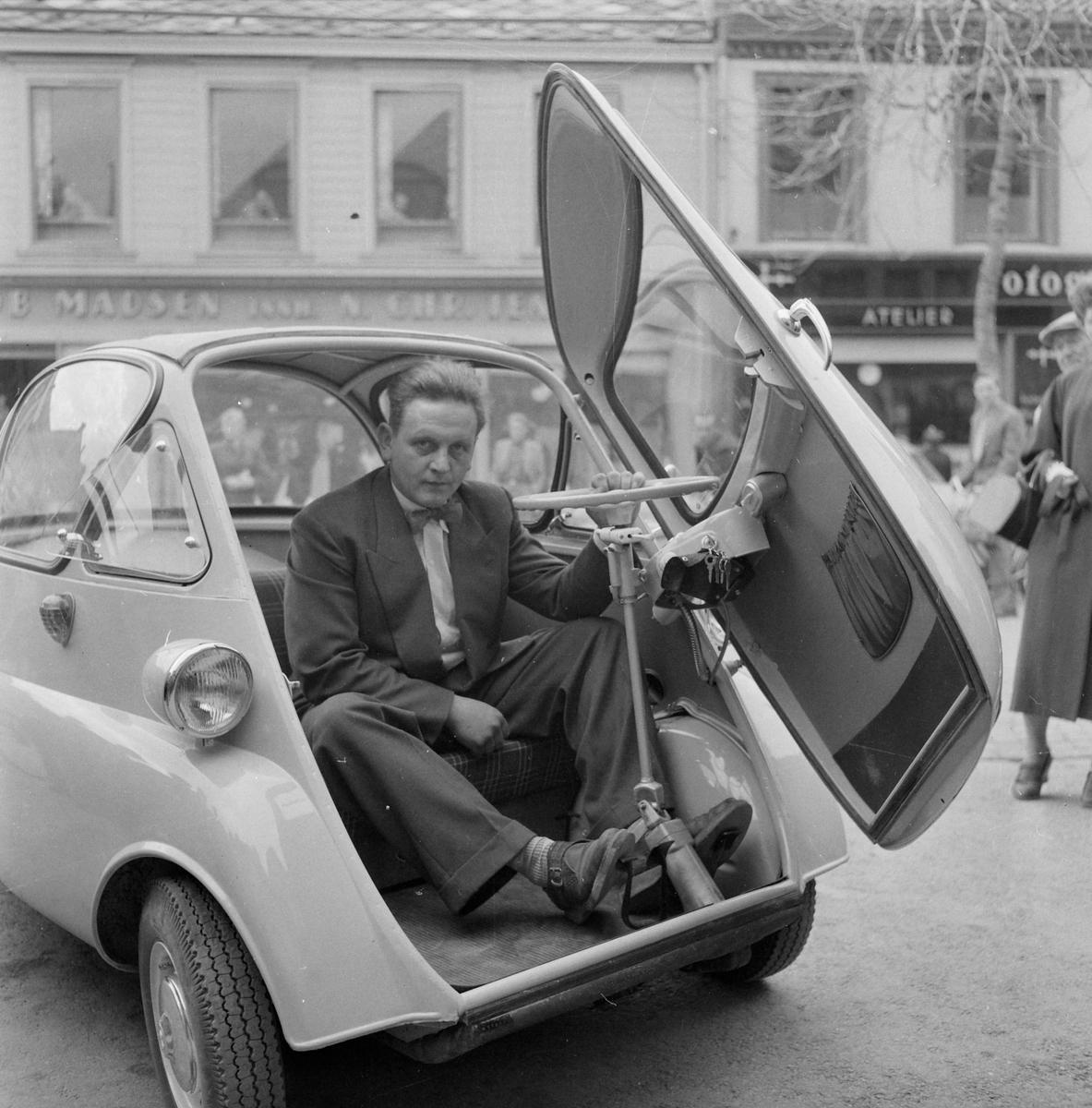 Sverre Fordal i BMW Isetta