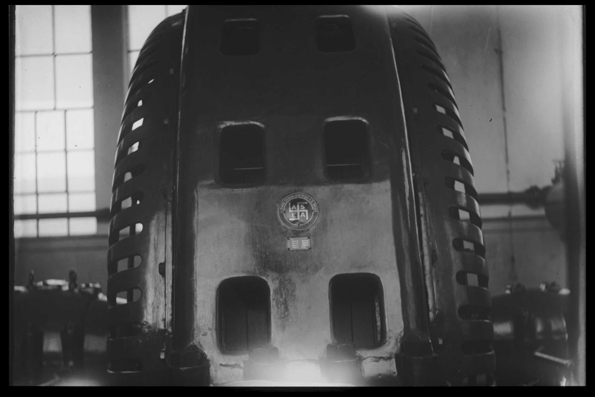 Arendal Fossekompani i begynnelsen av 1900-tallet CD merket 0474, Bilde: 7 Sted: Haugsjå Beskrivelse: Generator