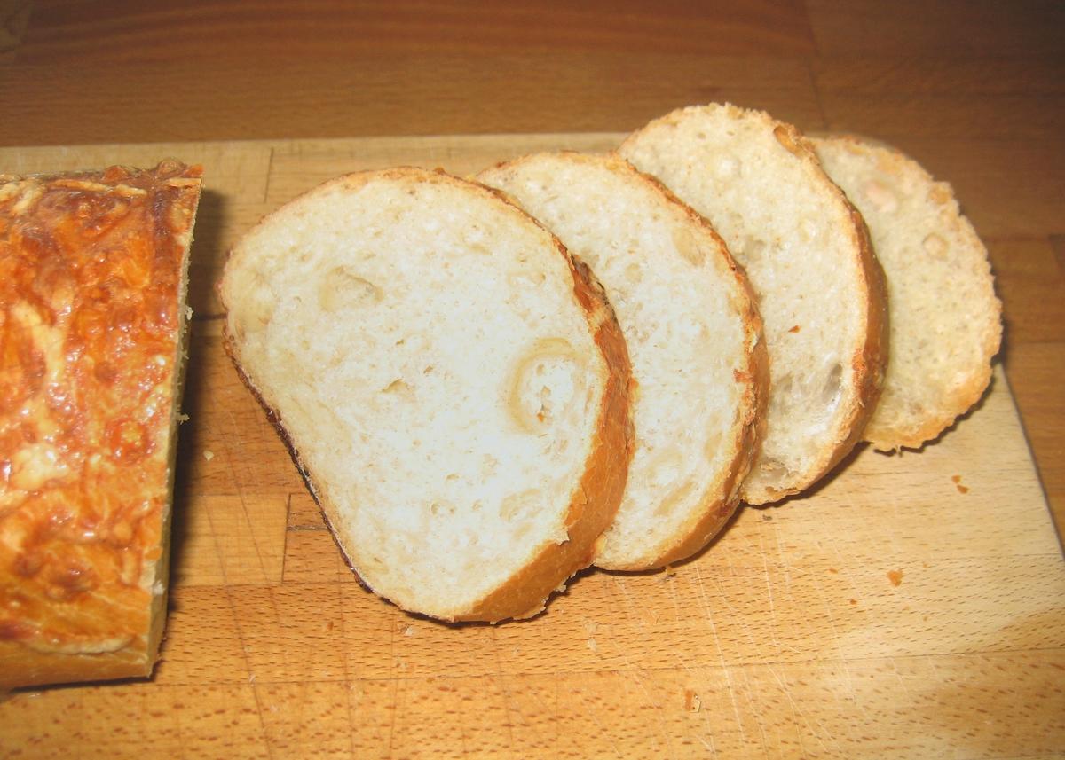 Motivet på brødposen er gress i silhuett.