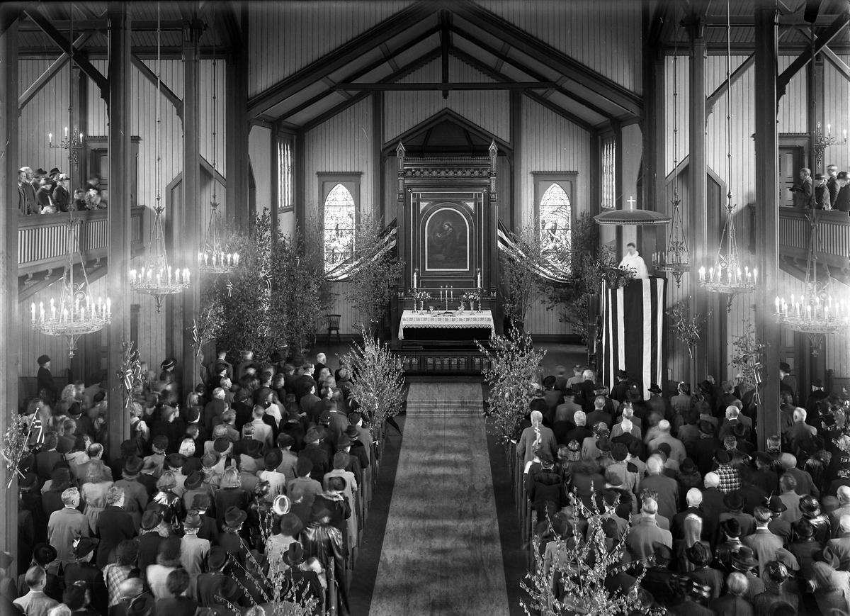 Grimstad kirke 17. mai 1945