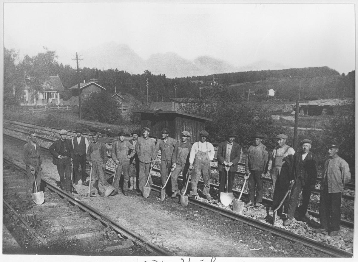 Linjearbeidere ved NSB.