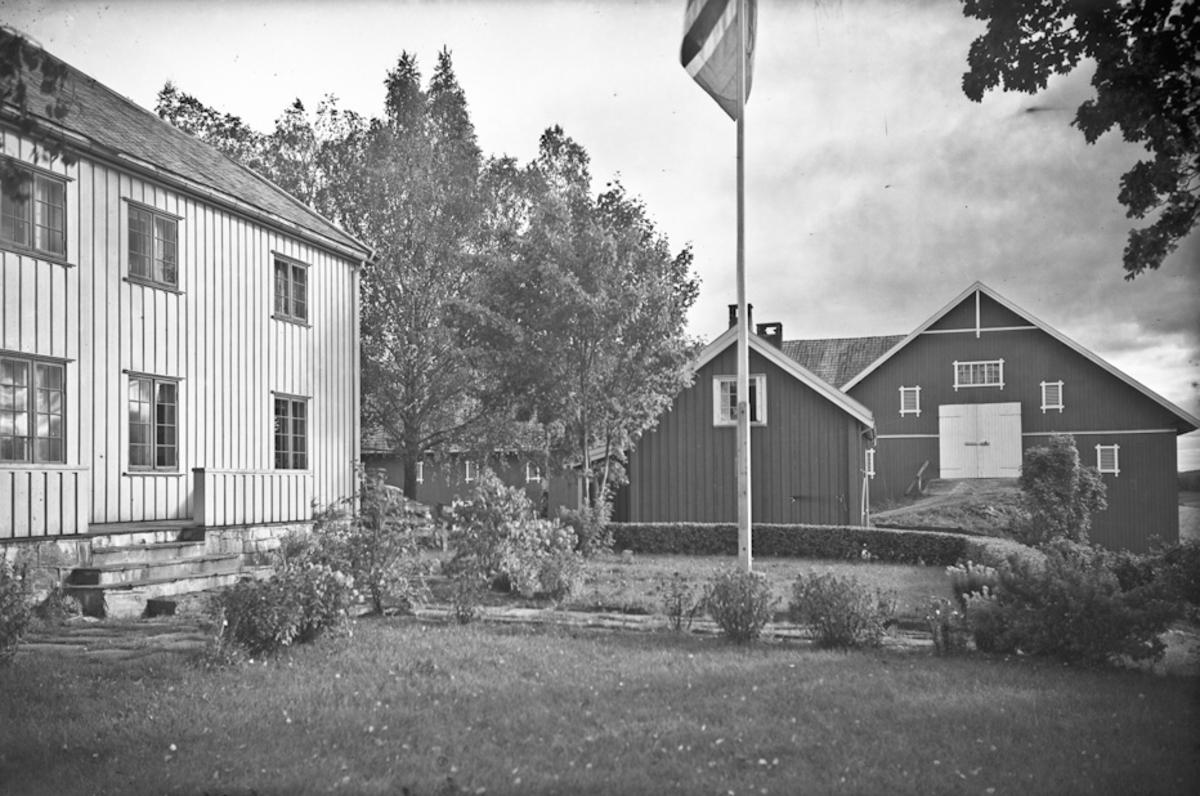 Hus og låve