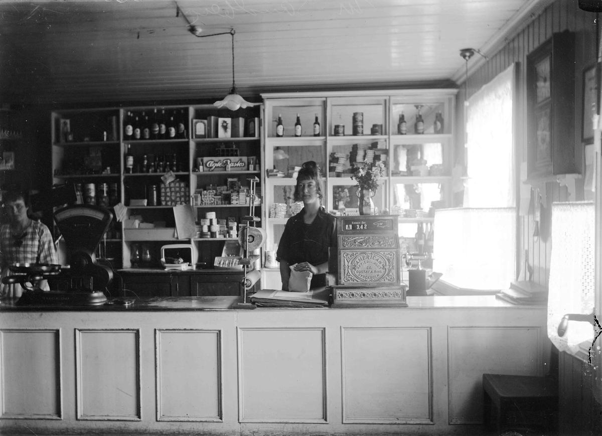 Baker Sandberg, interiør butikk