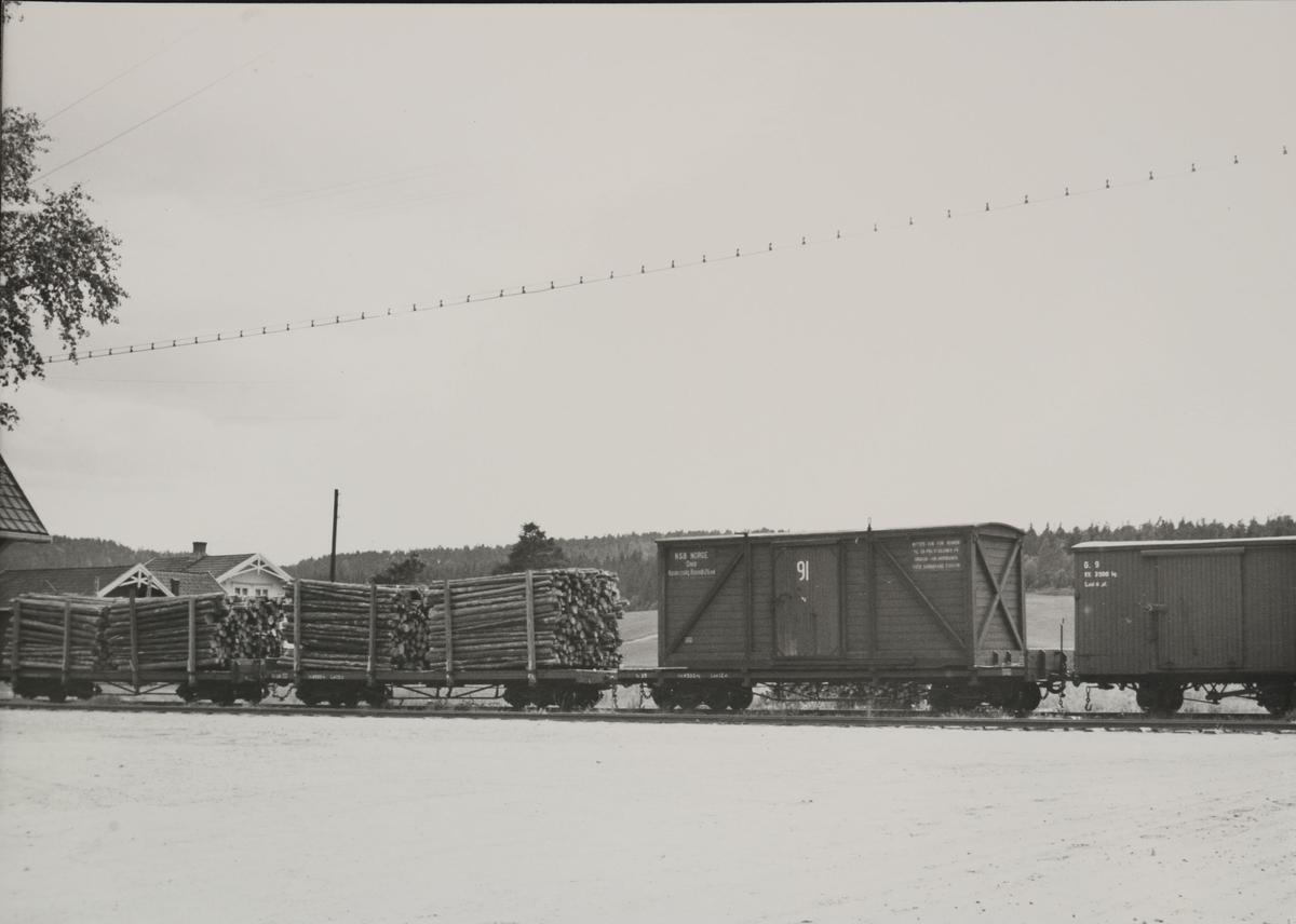Vogn To.., To28, To35, G9.Løftekasse 91.Stasjon Mork.
