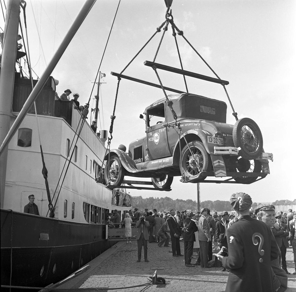 Serie. Russetur til København med MS Vistula og tilbake med ant. med sammen ferge. Fotografert juni 1961.