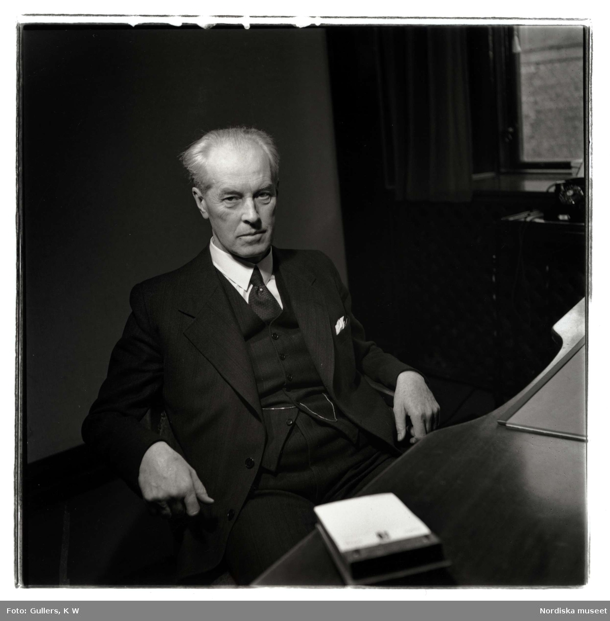 Porträtt av Torgny Segerstedt, religionsforskare, professor och publicist (1876-1945).