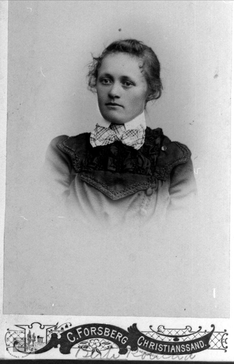 Portrett av Berthe Roland, Øyslebø.