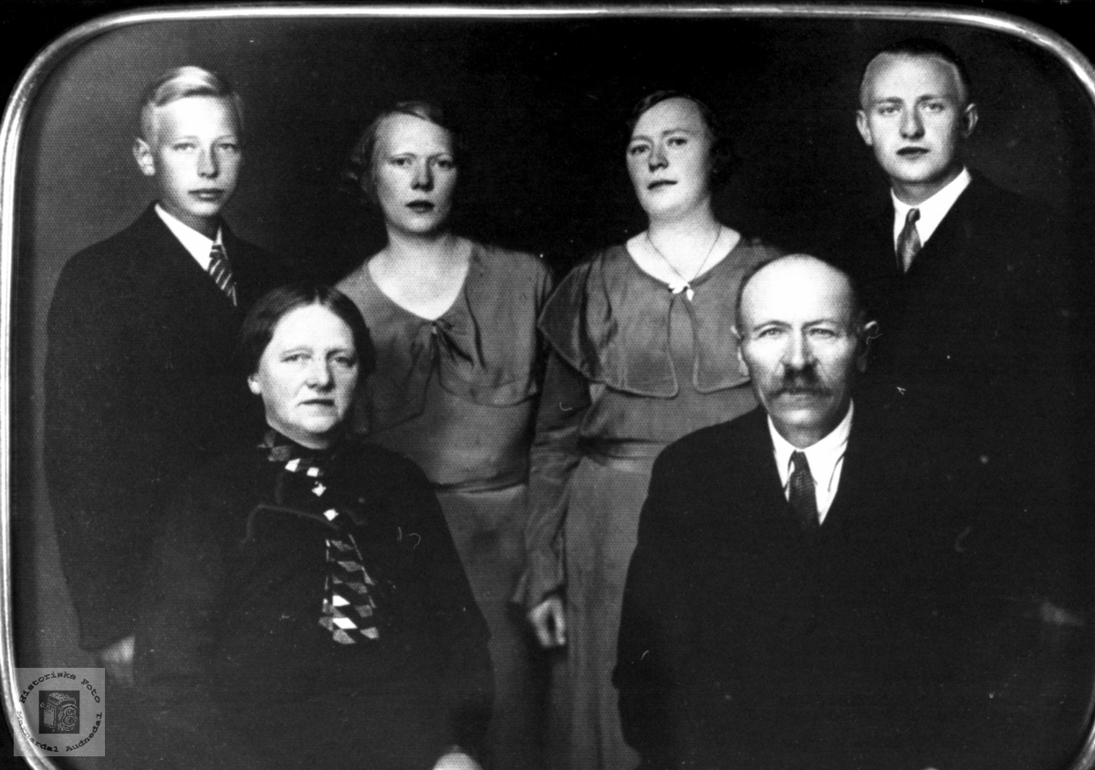 Familien Gabrielsen, Øyslebø.