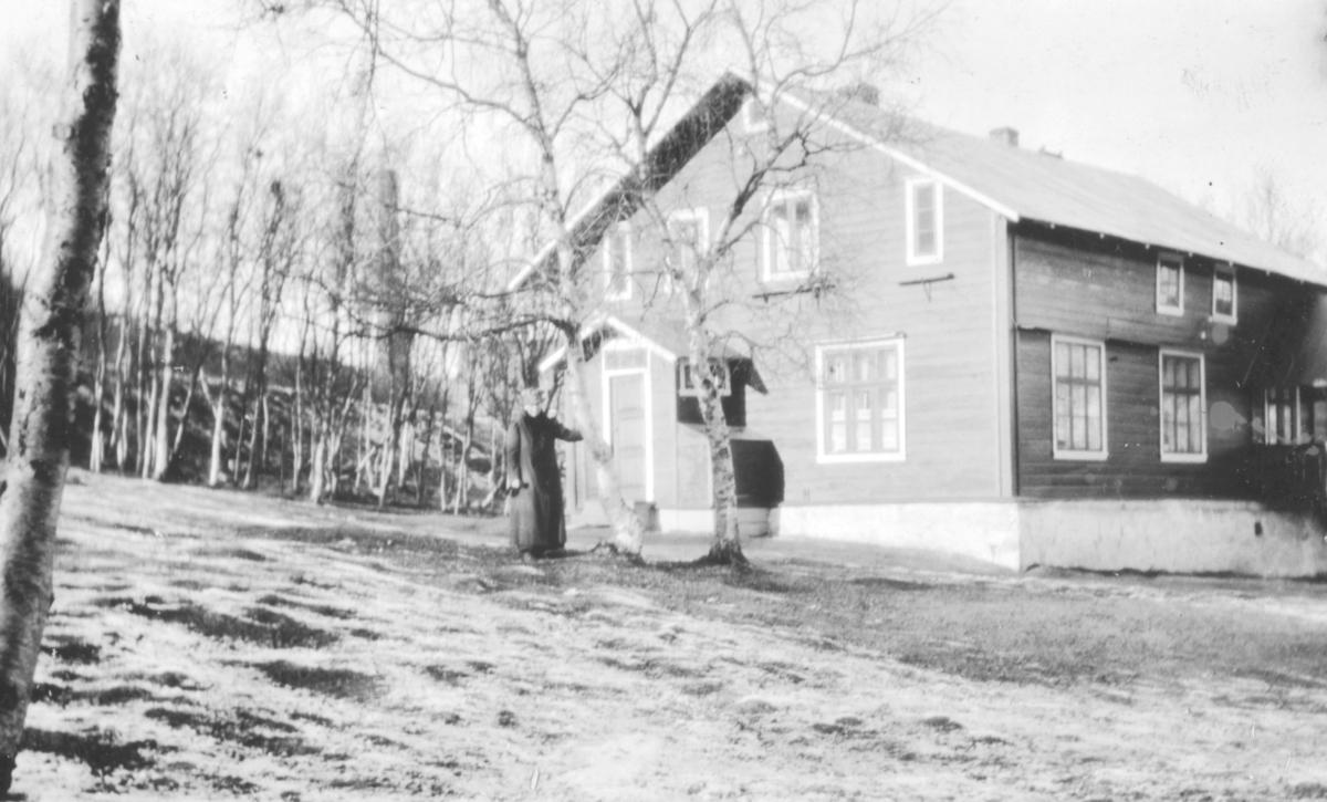 """""""Lægeboligen i Sør-Varanger. Fru Wessel."""""""