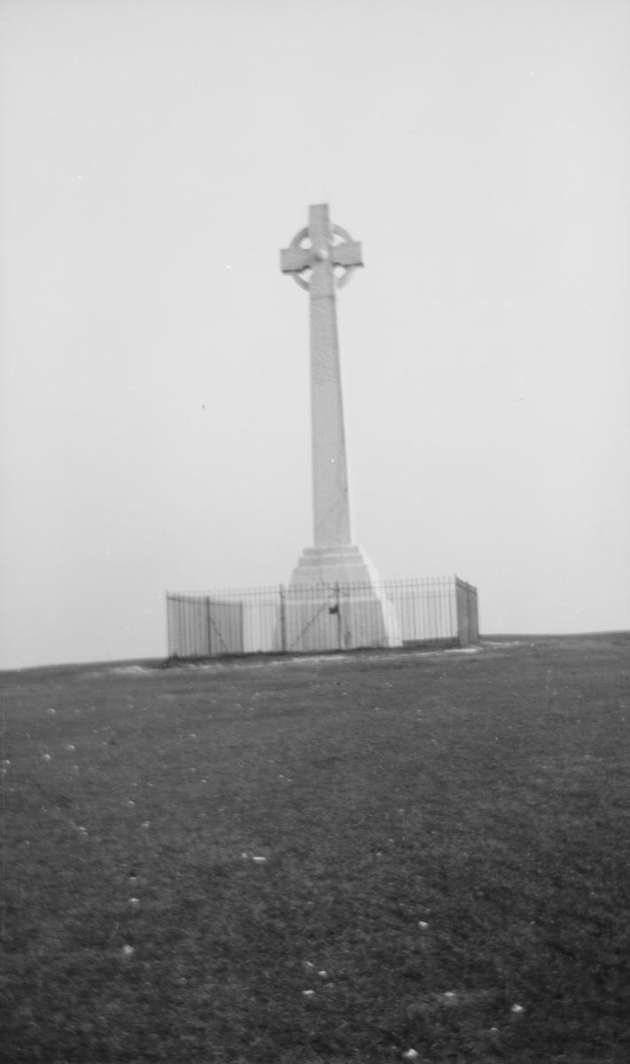 Monument i form av et keltisk kors.