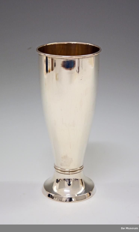 Sølvpokal uten innskrift. Stempel: 830 S