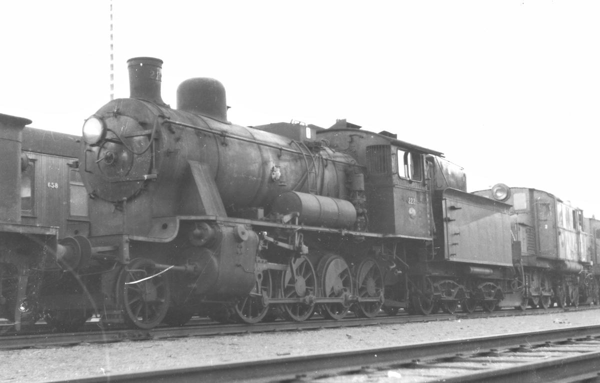 Utrangert damplokomotiv 24b 222 på Sundland i Drammen.