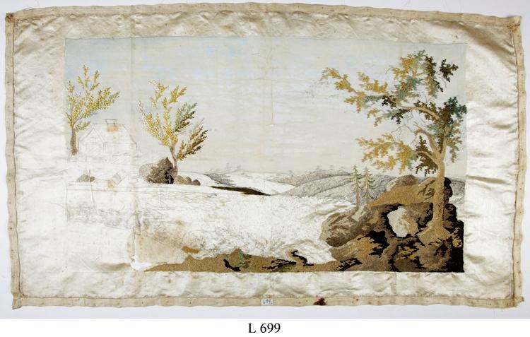Landskapstavla. Arbete i silkessöm från 1600-talet. Icke färdig. Från Dannäs (säteri), Dannäs, Jönköpings län.  Mått: 750 x 430 mm.  Inskrivet i huvudbok 1867. Montering/Ram: Ej inramad